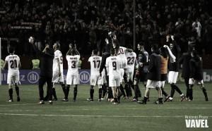 El Sevilla asusta y dinamita la liga