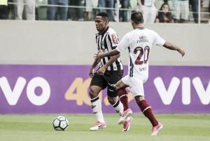 Elias lamenta má pontaria em derrota para Fluminense e visa recuperação fora de casa