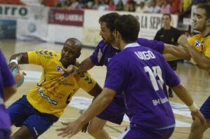Cuatro Rayas Valladolid - BM. Guadalajara: una victoria de más de dos puntos