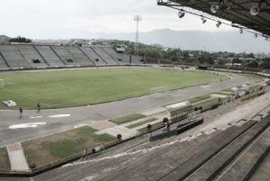 El estadio Guillermo Plazas Alcid tendría la grama más grande a nivel nacional