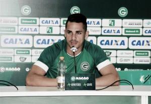 Elyeser tem grave lesão em treinamento e não jogará mais nessa temporada pelo Goiás