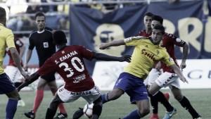 Valentín y S. Emaná, los mejores ante el Cádiz CF
