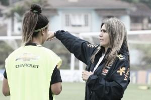 """Emily Lima vê lado positivo após primeira derrota da Seleção Feminina: """"Fizeram o proposto"""""""