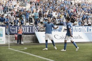 Goleada, victoria y liderato para un Real Oviedo de ensueño