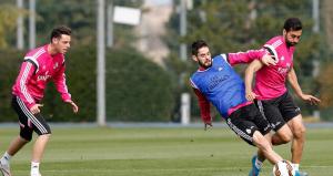 Carvajal vuelve a trabajar con el grupo, Benzema aparte