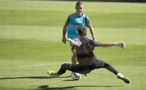 Kamal y Mikel Santamaría, los peor parados ante el Celta B
