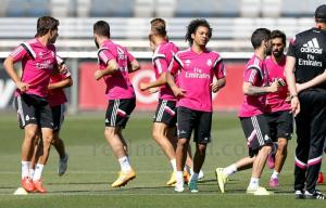 Bajas y canteranos en el entrenamiento del Madrid