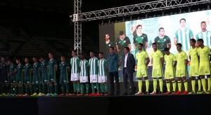 Verde, blanco y amarillo, protagonistas en la presentación de las nuevas equipaciones