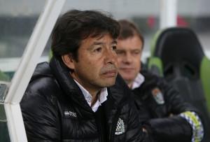 Erwin Sánchez seguirá un año más dirigiendo al Boavista FC