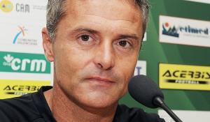 Fran Escribá defiende a su equipo y asegura mejorar en la segunda vuelta