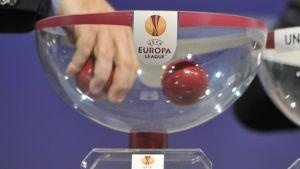 Buena suerte para los favoritos en el sorteo de la fase de grupos de la Europa League