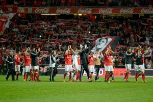 El espíritu de Eusébio conduce al Benfica al liderato