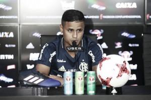 Éverton celebra marca de 200 jogos pelo Flamengo e agradece apoio da família
