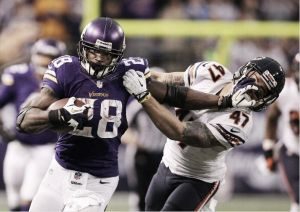 Un Peterson imparable da la victoria a los Vikings en una prórroga de locura