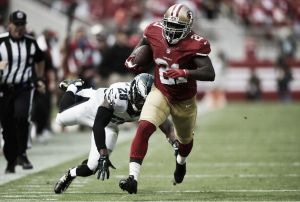 Los Eagles estrenan derrota contra los 49ers