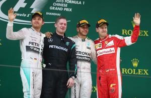 Vuelta al 2015. GP de China: Mercedes y Hamilton apabullan