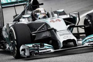Lewis Hamilton vuelve a coger las riendas en los Libres 2