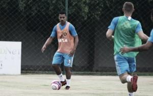 Lateral-direito Raul Prata vira dúvida e pode desfalcar Sport na Taça Ariano Suassuna