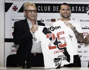 """Apresentado, Leandro Castán agradece apoio da torcida do Vasco: """"Mexeu comigo"""""""