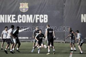Entrenamiento del FC Barcelona con Arthur incluido