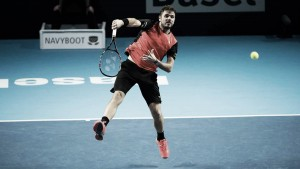 ATP Basel: Stan Wawrinka dazzles home crowd in victory over Donald Young