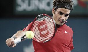 ATP: Federer soffre a Brisbane, Djokovic fuori a Doha