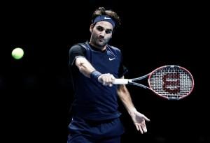 Federer asesta el primer golpe