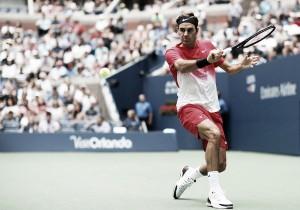 """Roger Federer: """"He estado más tiempo del que me gustaría en pista, pero sigo vivo"""""""