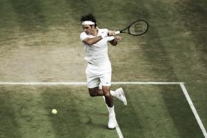 Federer consigue un triunfo de campeón