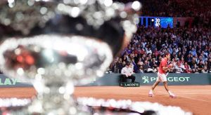 Federer otorga a Suiza la Copa Davis