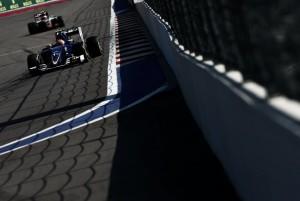 Sauber vuelve a retrasarse en el pago de los sueldos