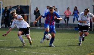 Valencia féminas y Levante UD continúan su lucha en el derbi valenciano