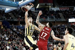Turkish Airlines EuroLeague - Fenerbahce a quattro ruote motrici, Baskonia ko