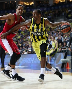 Turkish Airlines Euroleague - Il Fenerbahce va avanti ma si inceppa: all'overtime trionfa l'Olympiakos