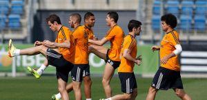Bale vuelve con el grupo