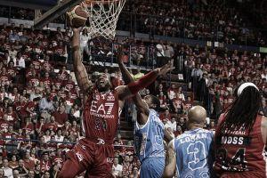Semifinali, Sassari espugna il Forum: Milano male la prima
