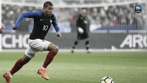 Uma estrela em ascensão: Mbappé pode igualar Pelé se marcar contra Croácia na final da Copa