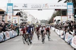 Volta ao Algarve, Gaviria subito imprendibile allo sprint