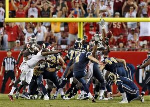 St. Louis vence a los Bucs a base de field goals