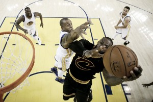 Defending champions Cleveland Cavaliers kick off season against New York Knicks