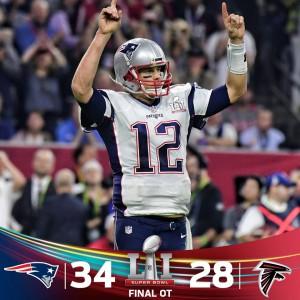 Super Bowl LI: Brady è storico, i Patriots alzano il Vince Lombardi Trophy dopo una rimonta da urlo