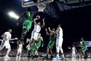NCAA Final Four - North Carolina supera i Ducks e vola in finale