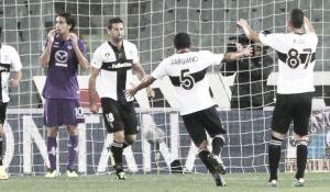 La Fiorentina se deja dos puntos en el último suspiro