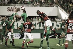 Flamengo e Chapecoense empatam sem gols e definição fica para a Ilha do Urubu