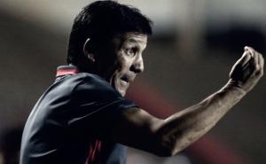 """Zé Ricardo comenta desgaste físico e elogia equipe do Flamengo em novo triunfo: """"Vitória merecida"""""""
