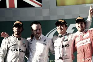 Vuelta al 2016. GP de Australia: Rosberg gana ante el aterrador accidente de Alonso