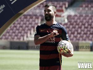 Fotos e imágenes de la presentación de Arda Turan por el FC Barcelona