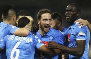 Gabbiadini obliga a la Lazio a marcar en San Paolo