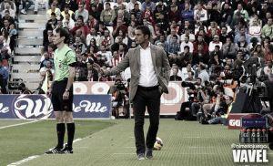977 días después, el Almería vuelve a destituir a un entrenador