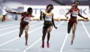 Fraser-Pryce emula a Bolt y reina en Moscú